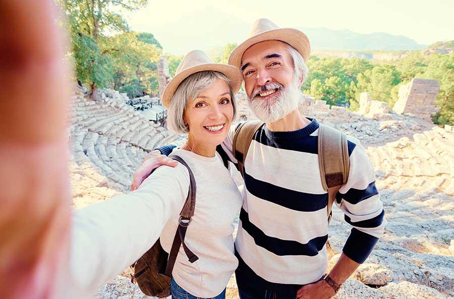 Ellen and Robert - happy senior couple