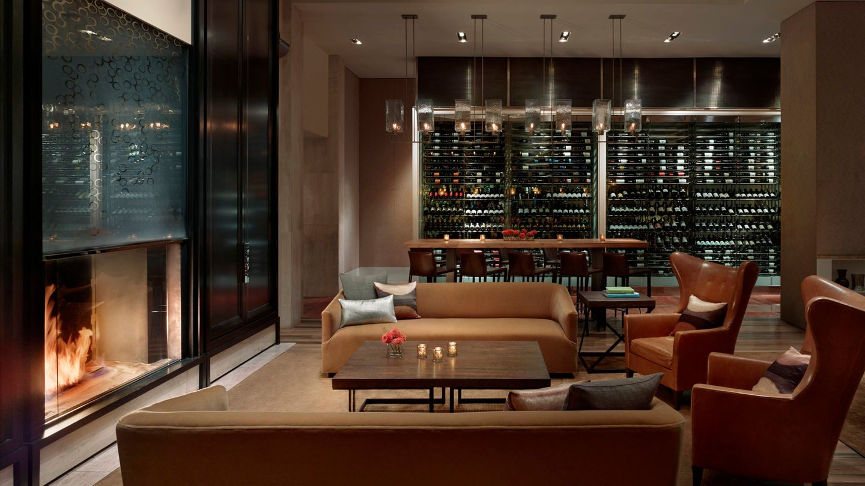 Southgate Lounge